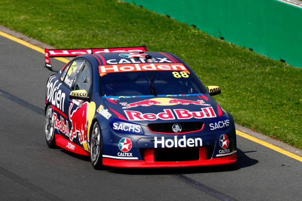 Australian Supercars Series Albert Park, Melbourne, Australia. Sunday 26 March 2017. Race 4. Jamie Whincup, No.88 Holden Commodore VF, Red Bull Holden Racing Team.  World Copyright: Zak Mauger/LAT Images ref: Digital Image _94I9876