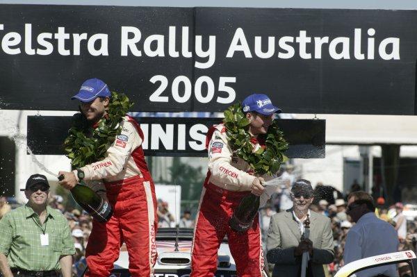 2005 FIA World Rally Champs. Round Sixteen, Rally Australia.10th - 13th November 2004.Francois Duval & Sven Smeets, Citroen, podium.World Copyright: McKlein/LAT