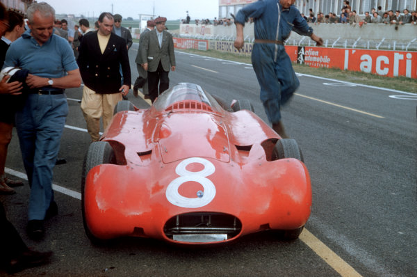 1956 French Grand PrixReims, France. 29th June - 1st July A Streamline Maserati 250F is prepared in the pits World Copyright: LAT Photographicref: 56 FRA 15