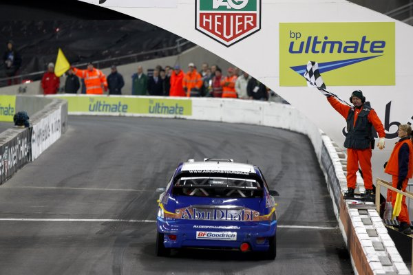 2007 Race of Champions - SaturdayWembley Stadium, London. 14th December.Ford Focus WRC, chequered flag.World Copyright: Malcolm Griffiths/LAT Photographicref: Digital Image _H0Y2118