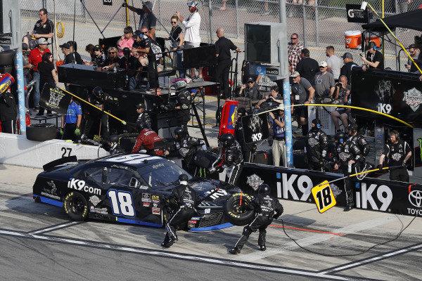#18: Jeffrey Earnhardt, Joe Gibbs Racing, Toyota Supra iK9, pit stop