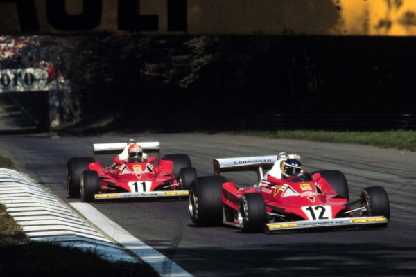1977 Italian Grand Prix.Monza, Italy.9-11 September 1977Carlos Reutemann leads Niki Lauda (both Ferrari 312T2's). Lauda finished in 2nd position.World Copyright - LAT Photographic