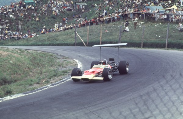 1968 Canadian Grand Prix.Mont-Tremblant, (St. Jovite), Quebec, Canada.20-22 September 1968.Jackie Oliver (Lotus 49B Ford).Ref-68 CAN 06.World Copyright - LAT Photographic