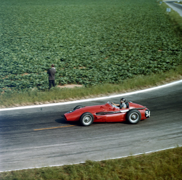 Reims, France.4-6 July 1958.Phil Hill (Maserati 250F) 7th position.Ref-3/0069.World Copyright - LAT Photographic