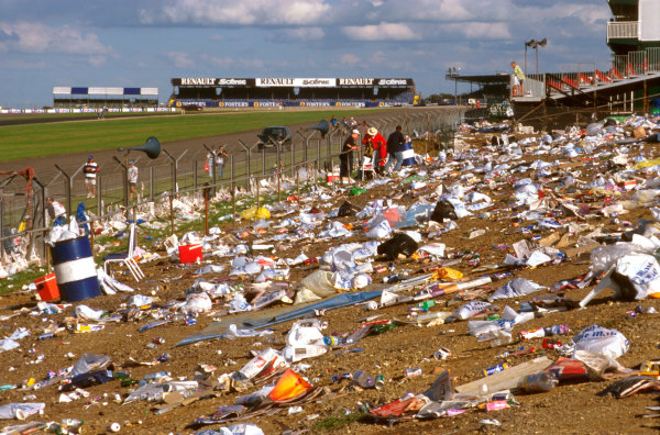 Silverstone, England.12-14 July 1996.The aftermath of the Grand Prix when all the fans have gone.Ref-96 GB 02.World Copyright - LAT Photographic