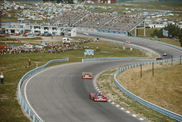Ronnie Peterson / Tim Schenken, SEFAC Ferrari, Ferrari 312 PB leads teammate Mario Andretti.