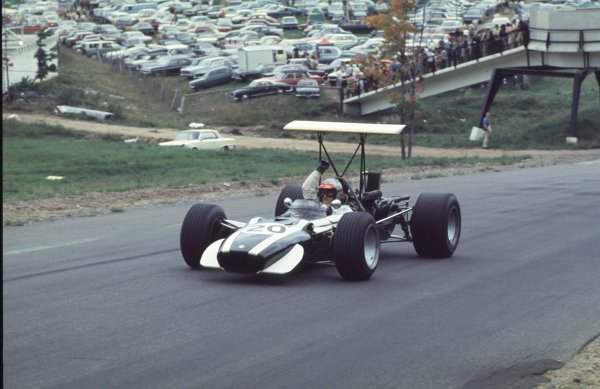 1968 Canadian Grand Prix.Mont-Tremblant, (St. Jovite), Quebec, Canada.20-22 September 1968.Lucien Bianchi (Cooper T86B BRM).Ref-68 CAN 48.World Copyright - LAT Photographic