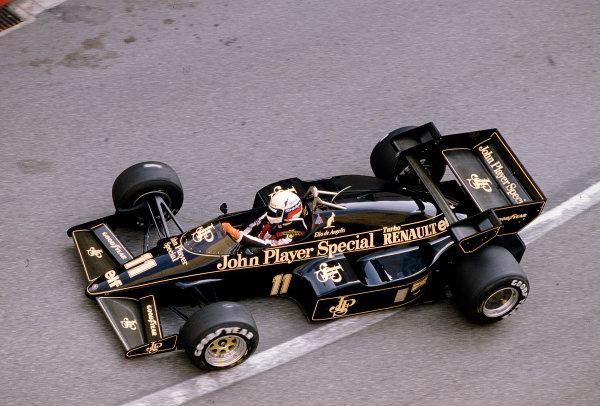 1984 Monaco Grand Prix.Monte Carlo, Monaco.31/5-3/6 1984.Elio de Angelis (Lotus 95T Renault) 5th position.Ref-84 MON 05.World Copyright - LAT Photographic