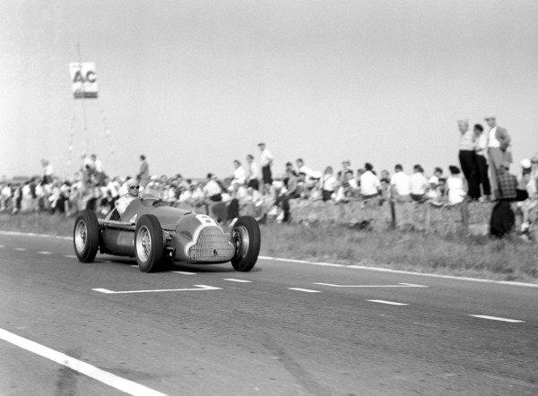 1950 French Grand Prix.Reims-Gueux, France. 2 July 1950.Juan Manuel Fangio (Alfa Romeo 158). Ref: B&W negative no. C27341.World Copyright: LAT Photographic