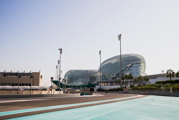 2017 FIA Formula 2 Round 11. Yas Marina Circuit, Abu Dhabi, United Arab Emirates. Thursday 23 November 2017. A view of the circuit. Photo: Zak Mauger/FIA Formula 2. ref: Digital Image _56I8255