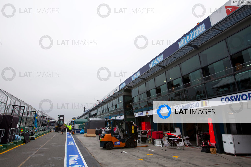 Albert Park, Melbourne, Australia22nd March 2011.Team freight being unloaded.World Copyright: Alastair Staley/LAT Photographicref: Digital Image AS5D5657
