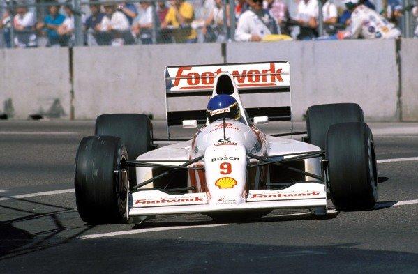 Michele Alboreto, Footwork A11C Porsche.