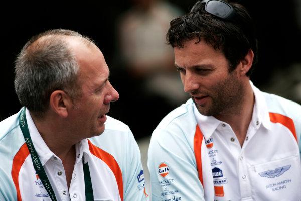 Circuit de La Sarthe, Le Mans, France. 6th - 13th June 2010.George Howard - Chappell talks to Darren Turner, Aston Martin Racing, No 009 lola-Aston Martin B09/60. Portrait. World Copyright: Drew Gibson/LAT PhotographicDigital Image _Y8P3748