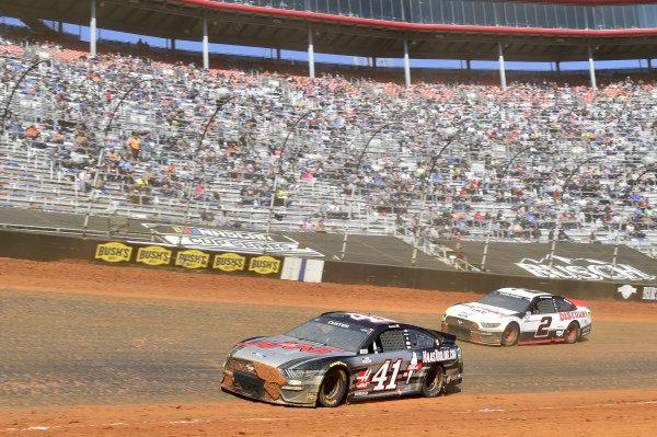 #41: Cole Custer, Stewart-Haas Racing, Ford Mustang HaasTooling.com, #2: Brad Keselowski, Team Penske, Ford Mustang Discount Tire