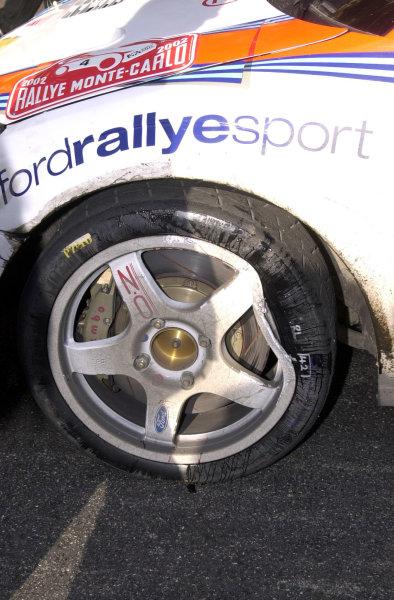 2002 World Rally ChampionshipMonte Carlo Rally, 17-20 January 2002.Wheel damage to Carlos Sainz's FocusPhoto: Ralph Hardwick/LAT