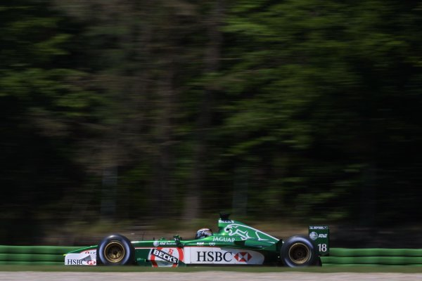 2001 German Grand PrixHockenheim, Germany. 27th July 2001Eddie Irvine, Jaguar R2, action.World Copyright - LAT PhotographicRef: 9 MB Digital File Only