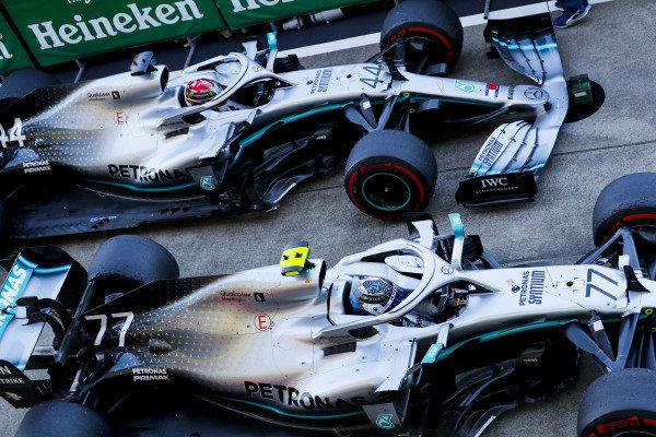 Race winner Valtteri Bottas, Mercedes AMG W10 and Lewis Hamilton, Mercedes AMG F1 W10 in Parc Ferme