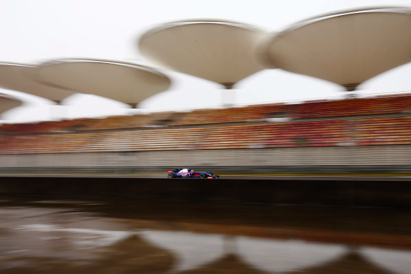 Shanghai International Circuit, Shanghai, China.  Friday 07 April 2017. Carlos Sainz Jr, Toro Rosso STR12 Renault.  World Copyright: Andy Hone/LAT Images ref: Digital Image _ONZ3405