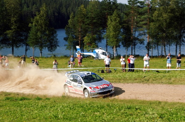 Marcus Gronholm (FIN) Peugeot 206 WRC dominated the final day of the rally to take victory and a health championship lead of 17 points over Colin McRae (GBR).
