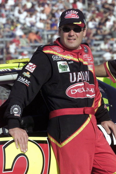 Jerry Nadeau (USA) UAW Delphi Chevrolet led until running out of fuel at the final corner eventually finishing fourth. 