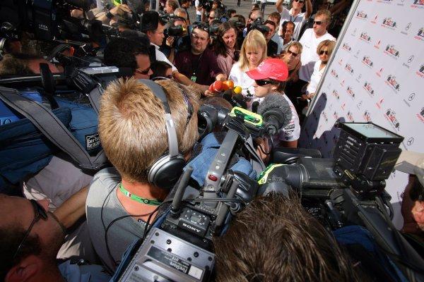 2007 Italian Grand Prix - Friday PracticeAutodromo di Monza, Monza, Italy.7th September 2007.A media scrum surrounds Fernando Alonso, McLaren MP4-22 Mercedes. Portrait. Media.World Copyright: Lorenzo Bellanca/LAT Photographicref: Digital Image ZD2J7196