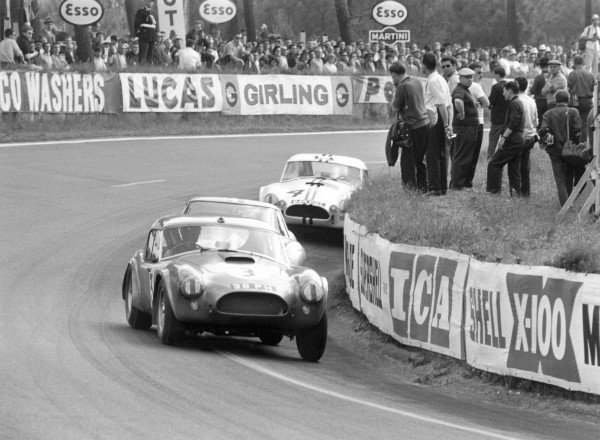 1963 Le Mans 24 HoursLe Mans, France, 15 - 16 June 1963.Peter Bolton/Ninian Sanderson (A C. Cobra), 7th position.World Copyright: LAT Photographicref: B&W Negative no. L63/177/25A