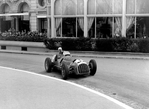 1950 Monaco Grand Prix.Monaco, Monte Carlo. 21st May 1950.Luigi Villoresi (Ferrari 125). Ref-C26728.World Copyright: LAT Photographic