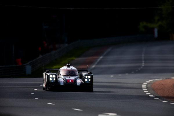 2016 Le Mans 24 Hours. Circuit de la Sarthe, Le Mans, France. Sunday 19 June 2016. Porsche Team / Porsche 919 Hybrid - Timo Bernhard (DEU), Mark Webber (AUS), Brendon Hartley (NZL). World Copyright: Zak Mauger/LAT Photographic ref: Digital Image _79P8499