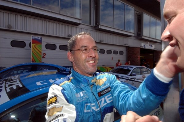 Race 1 winner Alain Menu (SUI), Chevrolet. FIA World Touring Car Championship, Rd8, Brands Hatch, England, 19 July 2009.