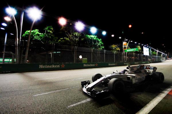 Marina Bay Circuit, Marina Bay, Singapore. Friday 15 September 2017. Lance Stroll, Williams FW40 Mercedes. World Copyright: Glenn Dunbar/LAT Images  ref: Digital Image _X4I6765