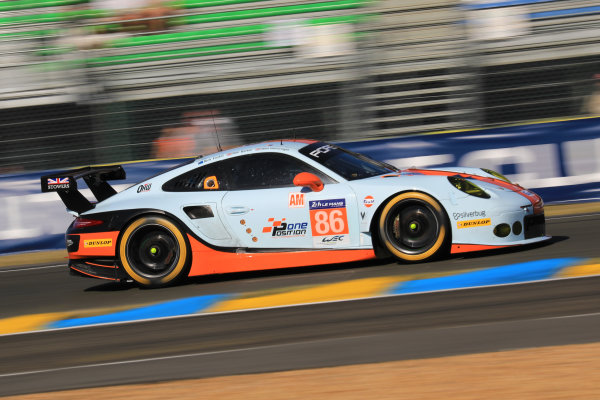 2017 Le Mans 24 Hours Circuit de la Sarthe, Le Mans, France. Saturday 17 June 2017 #86 Gulf Racing Porsche 911 RSR: Michael Wainwright, Ben Barker, Nick Foster World Copyright: NIKOLAZ GODET/LAT Images ref: Digital Image NGP_4969