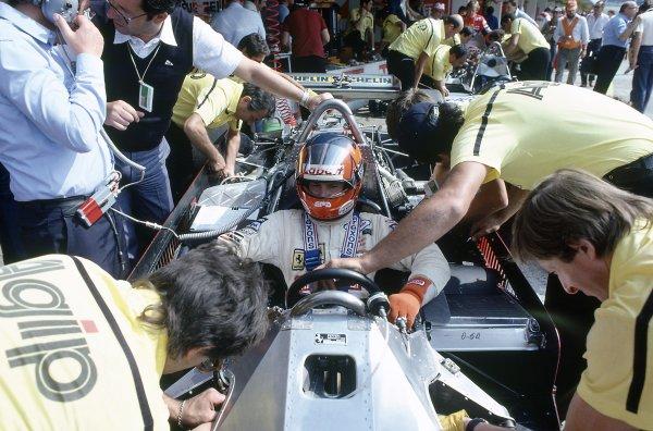 1981 Austrian Grand Prix.Osterreichring, Austria. 14-16 August 1981.Gilles Villeneuve (Ferrari 126CK), retired, in the pits.World Copyright: LAT PhotographicRef: 35mm transparency 81AUT28