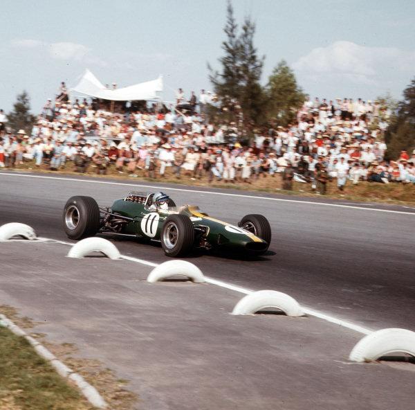 Mexico City, Mexico.21-23 October 1966.Pedro Rodriguez (Lotus 33 Climax).Ref-3/2398.World Copyright - LAT Photographic