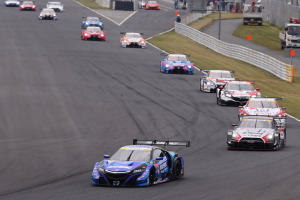 2017 Japanese Super GT Series. Autopolis, Japan. 20th - 21st May 2017. Rd 3. GT500 Start of the race, action World Copyright: Masahide Kamio / LAT Images. Ref: 2017SGT_Rd3_002