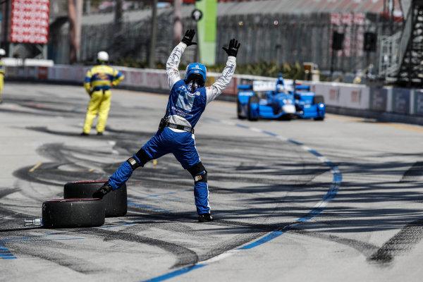 2017 Verizon IndyCar Series Toyota Grand Prix of Long Beach Streets of Long Beach, CA USA Sunday 9 April 2017 Tony Kanaan, pit stop World Copyright: Michael L. Levitt LAT Images