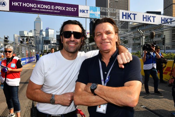 2017/2018 FIA Formula E Championship. Round 2 - Hong Kong, China. Sunday 03 November 2017. TV Pundit Dario Franchitti, and Stefan Johansson on the grid. Photo: Mark Sutton/LAT/Formula E ref: Digital Image DSC_5331