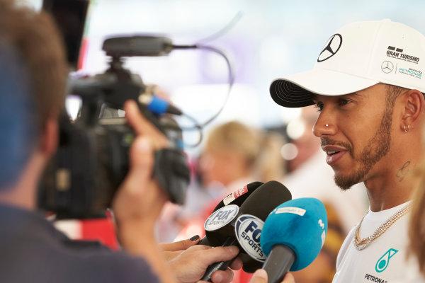 Yas Marina Circuit, Abu Dhabi, United Arab Emirates. Thursday 23 November 2017. Lewis Hamilton, Mercedes AMG. World Copyright: Steve Etherington/LAT Images  ref: Digital Image SNE19383