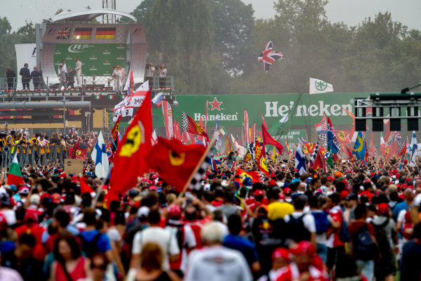 Autodromo Nazionale di Monza, Italy. Sunday 4 September 2016. A huge crowd of fans gather for the podium celebrations. World Copyright: Zak Mauger/LAT Photographic ref: Digital Image _X0W7100