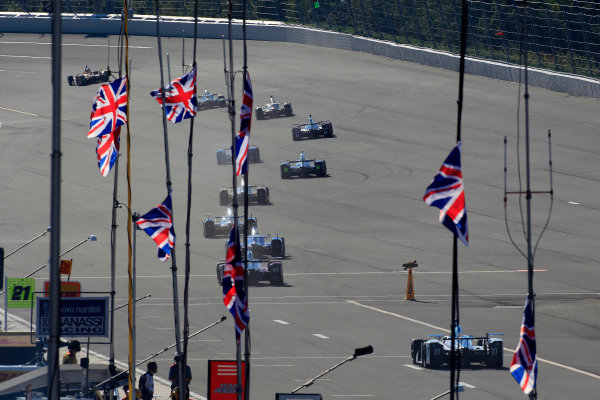 20-21 August, 2016, Long Pond, Pennsylvania USA The field heads out for practice as the Union Jack flies in honor of Justin Wilson ?2016, Phillip Abbott LAT Photo USA