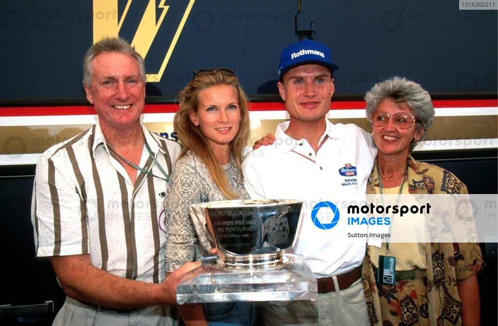 David Coulthard with his parents and his girlfriend Andrea. Portugese Grand Prix, Estoril, 24 September 1995