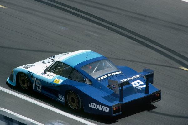 1982 Le Mans 24 hours. Le Mans, France. 19th - 20th June 1982. John Fitzpatrick / David Hobbs (Porsche 935/78-81), 4th position, action. World Copyright: LAT Photographic. Ref: 82LM16.