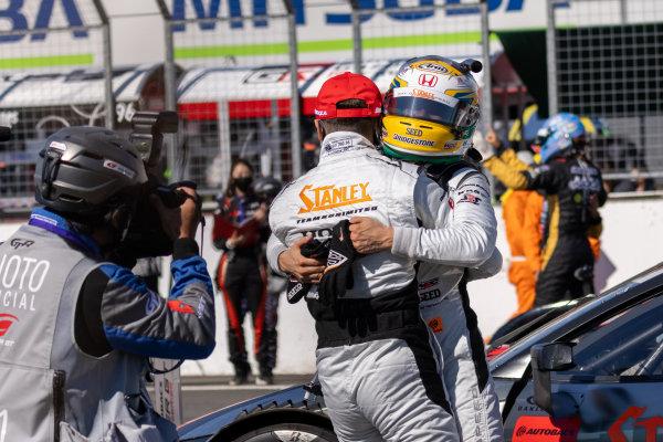 GT500 Winners Naoki Yamamoto & Tadasuke Makino, Stanley Team Kunimitsu, Honda NSX-GT GT500, celebrate in parc ferme
