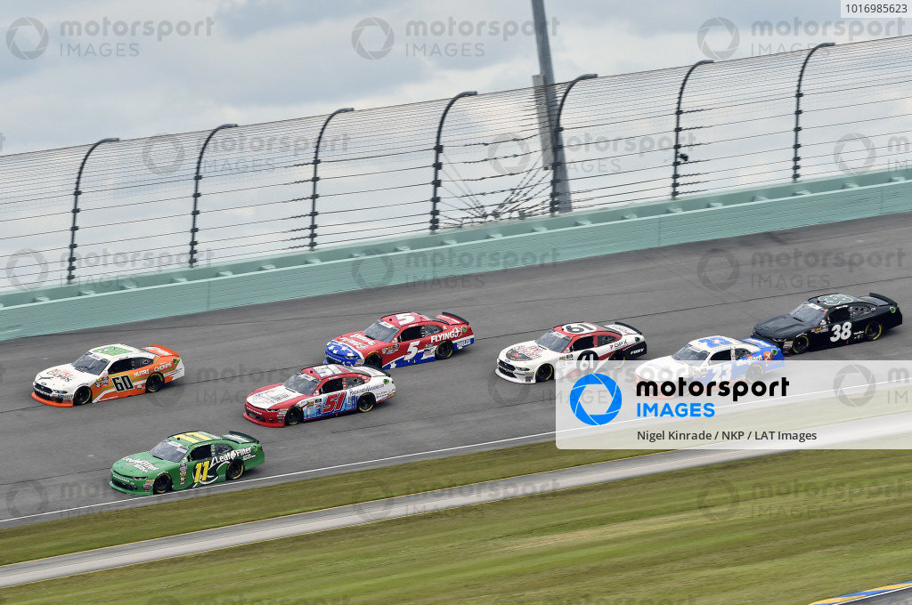 #11: Ryan Truex, Kaulig Racing, Chevrolet Camaro LeafFilter Gutter Protection and #60: Chase Briscoe, Roush Fenway Racing, Ford Mustang Nutri Chomps