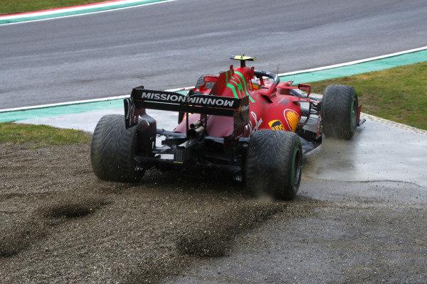 Carlos Sainz, Ferrari SF21, rejoins after an off
