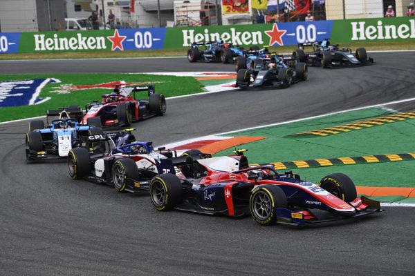 Marino Sato (JPN, Trident), leads Guilherme Samaia (BRA, Charouz Racing System), and Richard Verschoor (NLD, MP Motorsport)