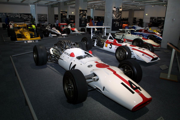 2002 CART Japan, Twin Ring Motegi, 27 April, 2002The Honda Collection Hall motorsports and automotive museum.-2002, Phil Abbott, USALAT Photographic