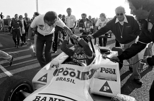 Ayrton Senna (BRA) West Surrey Racing Ralt RT3/83 Toyota celebrates victory. British Formula 3 Championship, Thruxton, England, 27 October 1983.