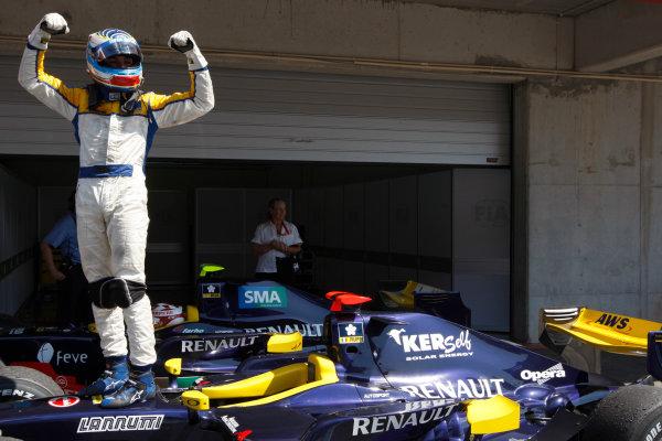 Sunday Race.Luca Filippi (ITA, Super Nova Racing) celebrates his victory. World Copyright: Glenn Dunbar / GP2 Series Media Service.Ref: _3GD3192 jpg