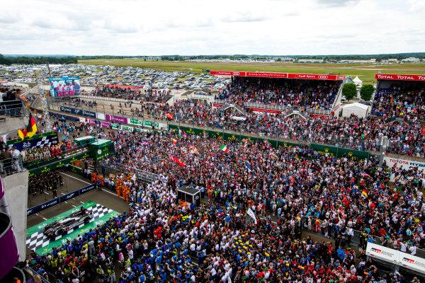 2016 Le Mans 24 Hours. Circuit de la Sarthe, Le Mans, France. Sunday 19 June 2016. Porsche Team / Porsche 919 Hybrid - Romain Dumas (FRA), Neel Jani (CHE), Marc Lieb (DEU), Toyota Gazoo Racing / Toyota TS050 - Hybrid - Stephane Sarrazin (FRA), Michael Conway (GBR), Kamui Kobayashi (JPN), Audi Sport Team Joest / Audi R18 - Lucas Di Grassi (BRA), Loic Duval (FRA), Oliver Jarvis (GBR), Rebellion Racing / Rebellion R-One-AER - Nicolas Prost (FRA), Nick Heidfeld (DEU), Nelson Piquet (NLD).  World Copyright: Zak Mauger/LAT Photographic ref: Digital Image _79P9166