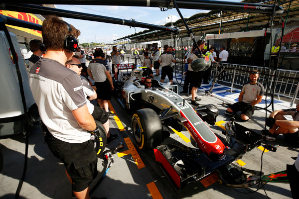 Hungaroring, Budapest, Hungary. Thursday 21 July 2016. The Haas team practise pits stops. World Copyright: Andrew Hone/LAT Photographic ref: Digital Image _ONZ0573